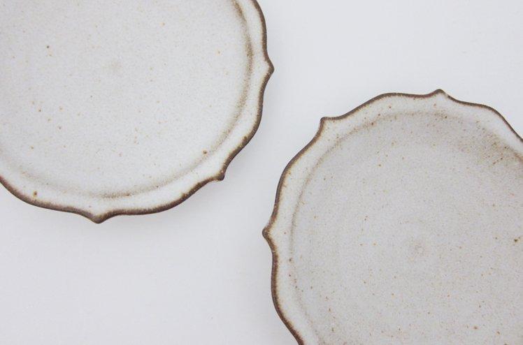 陶器・太陽輪花小皿2枚set/ホワイト[鯨井円美]