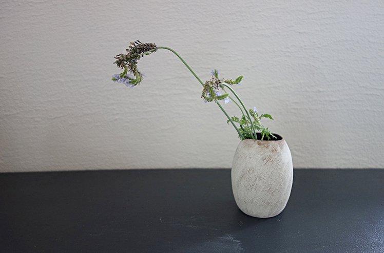 花器 Seed vase(白泥)[今井梨絵]