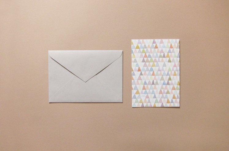 封筒付き A5二つ折りカード(三角) [篠塚朋子]