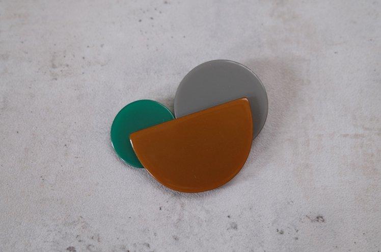Acrylic brooch 02 [mul by umloo]