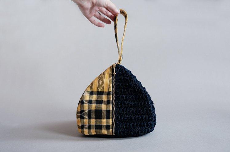 イカット×かぎ針編みのバッグ [中島 萌]