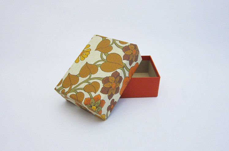 デットストックの壁紙Box-黄 [ gg ]