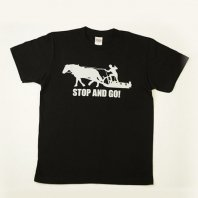 <img class='new_mark_img1' src='https://img.shop-pro.jp/img/new/icons24.gif' style='border:none;display:inline;margin:0px;padding:0px;width:auto;' />(30%OFF)STOP and GO Tシャツ(黒)【レターパック対応】