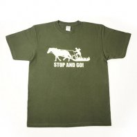 <img class='new_mark_img1' src='https://img.shop-pro.jp/img/new/icons24.gif' style='border:none;display:inline;margin:0px;padding:0px;width:auto;' />(30%OFF)STOP and  GO Tシャツ(フォレスト)【レターパック対応】