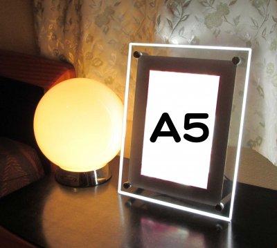 LEDバックライトアクリルパネル<br>A5サイズ
