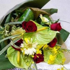 花束「バラとアンスリュームのブーケ」