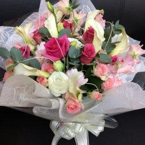 花束「ピンクホワイトのフェミニンブーケ」