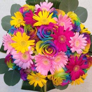 花束「レインボーローズとガーベラのブーケ」