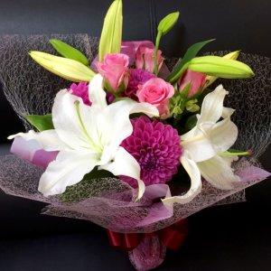 花束「白いユリとバラとダリアのブーケ」