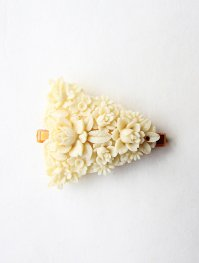 OLD CELLULOID FLOWER HAIR CLIP