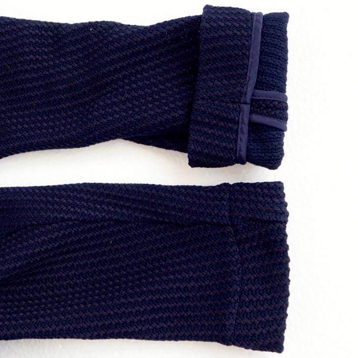 素材感で魅せるテーラードジャケット(XSサイズ・ネイビー)の素材