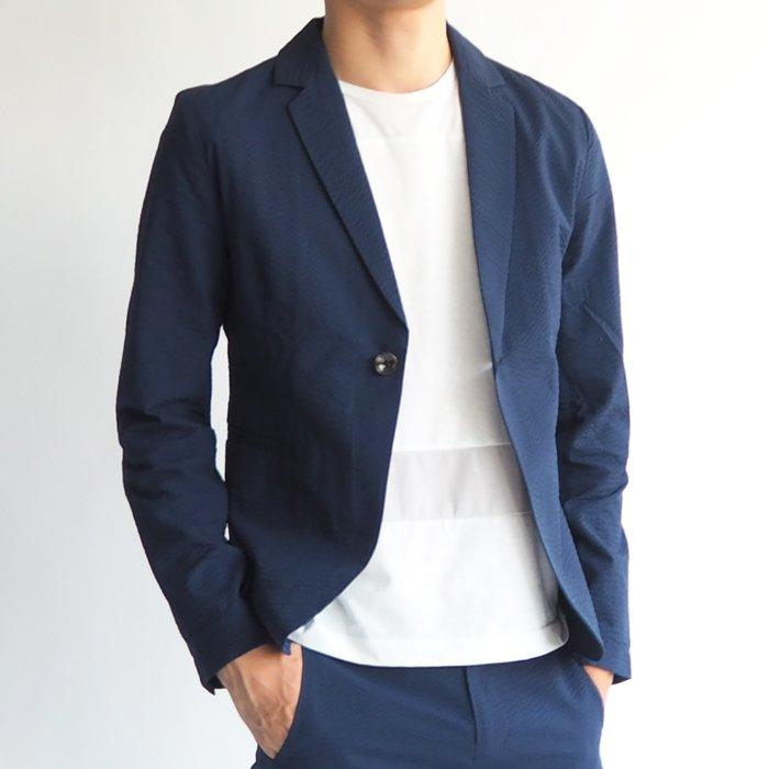 ビジネスシーンでも使えるメンズアイテム!小柄体型に合わせたXSサイズのサマージャケット。ぴったりのサイジングが夏の大人のカッコよさを演出します。