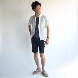 小柄体型のためのタイトめXSサイズショートパンツです。軽くて乾きがいいシアサッカー生地を採用し、ドライで快適に穿け、カジュアルもキレイめもこなせる1着に仕上がった夏物パンツ。