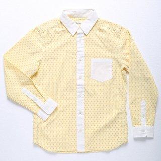 メンズXSにユリ柄の明るいオックスシャツの登場です!パンツはきれいめなものがおすすめ。カーゴパンツやデニムの場合には細身のものと合わせて使うのがおすすめです。