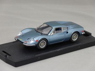 1/43 バン フェラーリ ディノ 246GT (メタリックアズール)