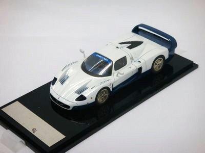 1/43 ABC マセラティ MC12 2005 500PCS (ホワイト/ブルー)