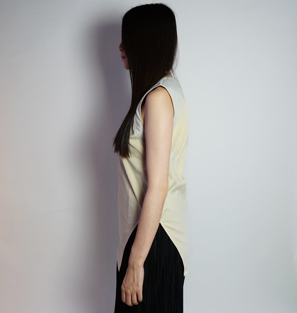 hatra(ハトラ)Equilibre Tank Blouse