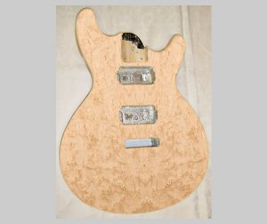ギター用ツキ板シートBM貼【バーズアイメープル杢目】Normalタイプ(和紙貼り/糊なし)Sサイズ