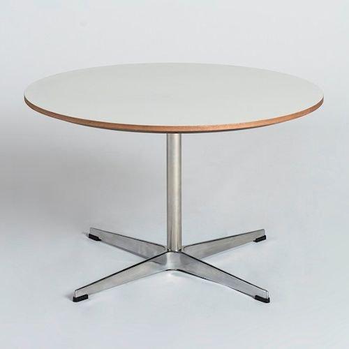 アルネ・ヤコブセン/SwanCoffeeTableスワンコーヒーテーブルメイン画像-デザイナーズ家具通販N PLUS