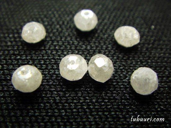 ホワイトダイヤモンド・ボタンカット・約2.3x2.3x1.7~2.6x2.6x2.2mm【1粒830円】