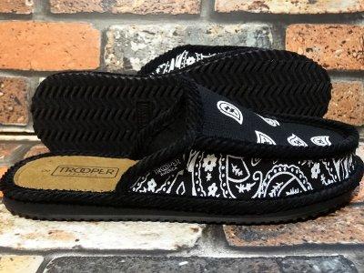 ハウスシューズ ペイズリー柄スリッパ bandana slipper カラー:ブラックxホワイト