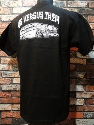 us versus them アスバーサスゼム  Tシャツ   カラー:ブラック
