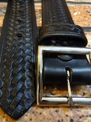 AKER エイカー  ギャリソン レザーベルト (B08) Garrison Belt  カラー:ブラック