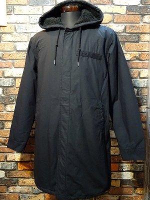 OBEY オベイ TILLER JACKET ロング丈 フード付き 裏ボア ジャケット   カラー:ブラック