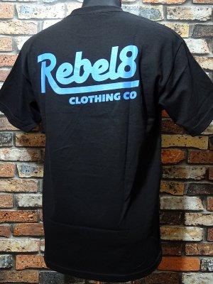 REBEL8 レベルエイト Tシャツ  PREMIUM SCRIPT II カラー:ブラック