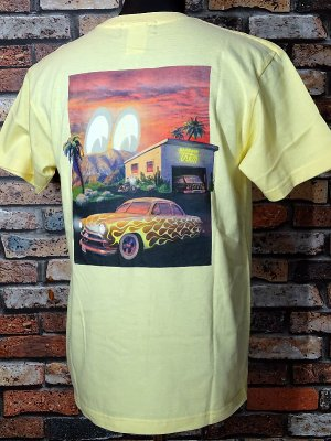 KUSTOMSTYLE×MOONEYES×USVERSUSTHEM コラボレーションTシャツ (KSMEUVTTEEYE) collaboration T-shirts カラー:ライトイエロー