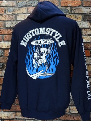 <img class='new_mark_img1' src='https://img.shop-pro.jp/img/new/icons16.gif' style='border:none;display:inline;margin:0px;padding:0px;width:auto;' />[SALE20%OFF] kustomstyle プルオーバー スウェットパーカー (KSP1907) skate monkey pullover hoodie カラー:ネイビー
