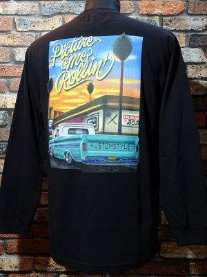 kustomstyle x US VERSUS THEM コラボレーション ロングスリーブTシャツ (KSUVT-007LTBK) picture me rollin カラー:ブラック