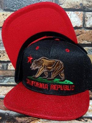 CALIFORNIA REPUBLIC CALI BEAR スナップバック メッシュキャップ カラー:ブラック×レッド