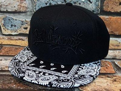 RealMinority リアルマイノリティー スナップバックキャップ (ThrowUP) bandana snap back cap カラー:ブラック