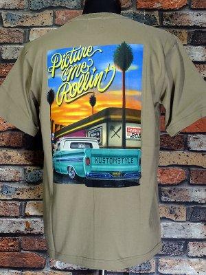 kustomstyle x US VERSUS THEM コラボレーション Tシャツ (KSUVT-007TSA) picture me rollin カラー:サンド