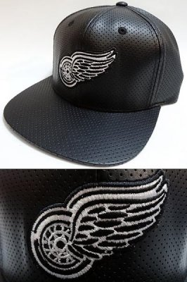 american needle アメリカンニードル snap back cap   red wing faux leather カラー:ブラック