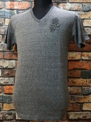 parasite パラサイト VネックTシャツ Guns  カラー:オーセンティック チャコールグレー