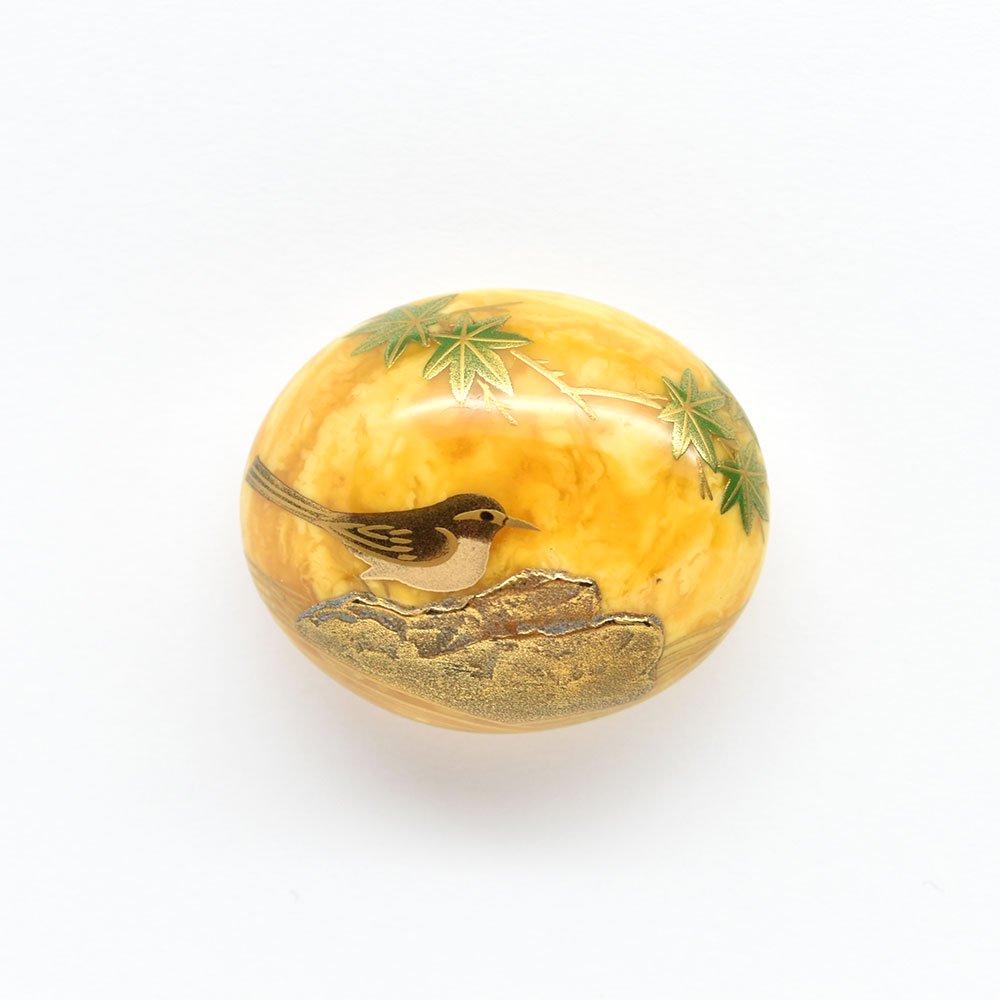 セキレイ蒔絵琥珀帯留(乳白色)