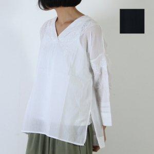 mao made (マオメイド) コットンローン刺繍プルオーバー