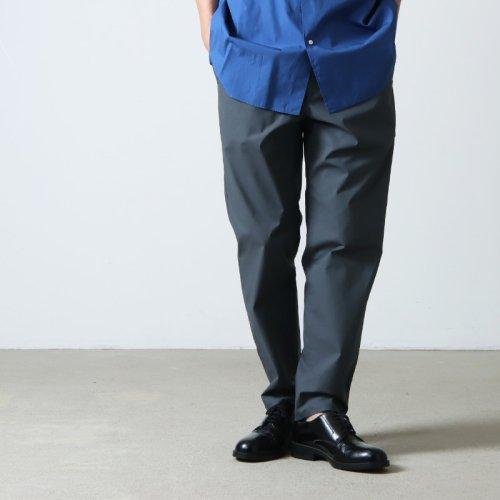 Graphpaper (グラフペーパー) Colorfast Denim Two Tuck Pants / カラーファストデニム ツータックパンツ