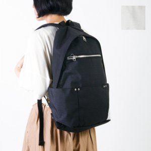 Ficouture (フィクチュール) 3 Out Pocket Day Pack / 3アウトポケットデイパック