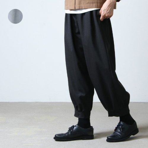 NO CONTROL AIR (ノーコントロールエアー) ウールポリエステルストレッチカルゼ 裾タックパンツ