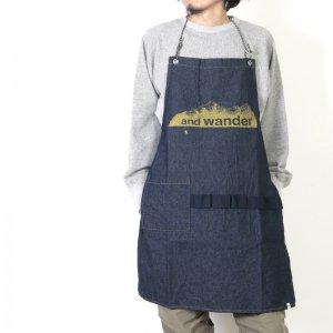 and wander (アンドワンダー) printed denim apron / プリンテッドデニムエプロン