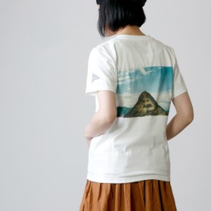 and wander (アンドワンダー) mountain photo T by Tetsuo Kashiwada for woman / マウンテンフォトTシャツ レディース