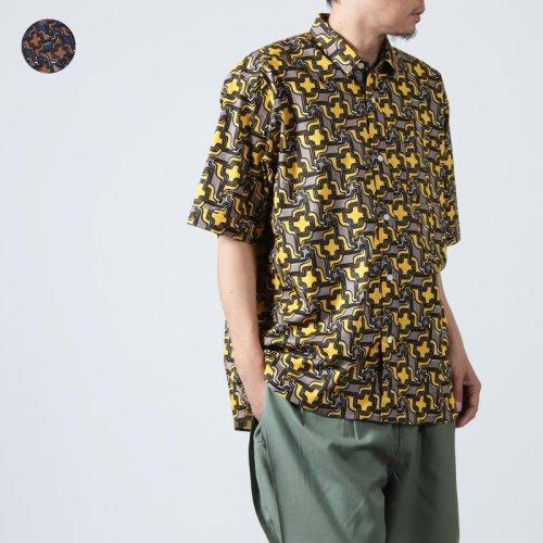 weac. (ウィーク) カラフル半袖シャツ
