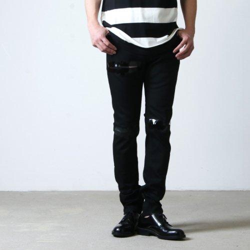 TAKAHIROMIYASHITATheSoloist. (タカヒロミヤシタザソロイスト) stretch slim tapered 6 pocket noise jean?