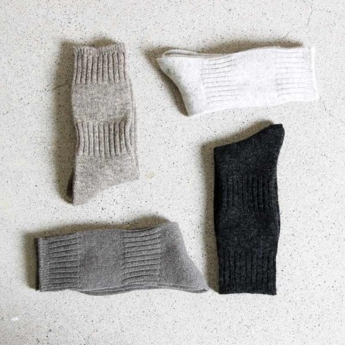 evameva (エヴァムエヴァ) Wool cashmere rib socks / ウールカシミア リブソックス