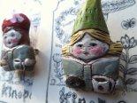 「小人と絵本と珈琲とおやつ」木彫りブローチ*3月25日までの期間限定販売*京都・kinopoe