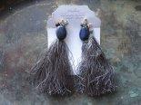 絹とラピスラズリのイヤリング(タッセル取り外し可)* vallon