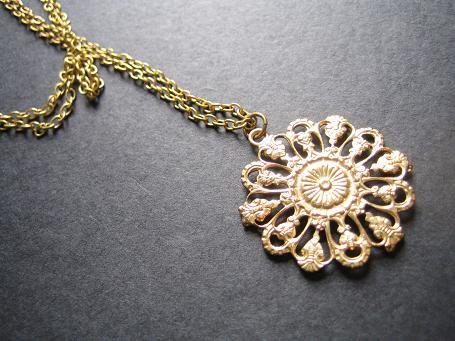 花のネックレス(アンティーク)